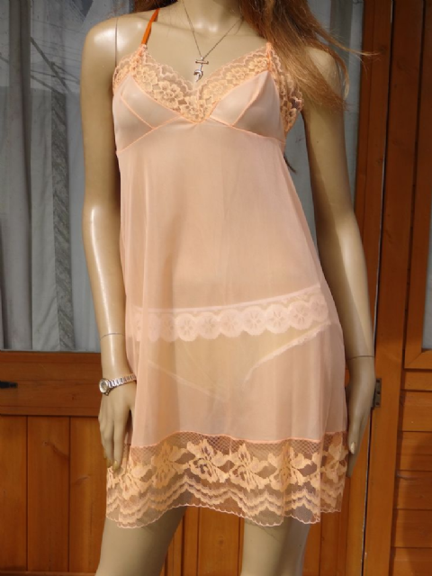 AUTHENTIC 1950/60'S SILKY NYLON FULL SLIP  SIZE:- 38